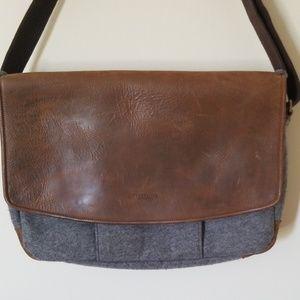 Timbuk2 wool and leather messenger bag